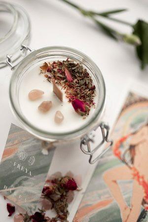 vela-aromatica-de-soja-ecologica-freya-jazmin-1